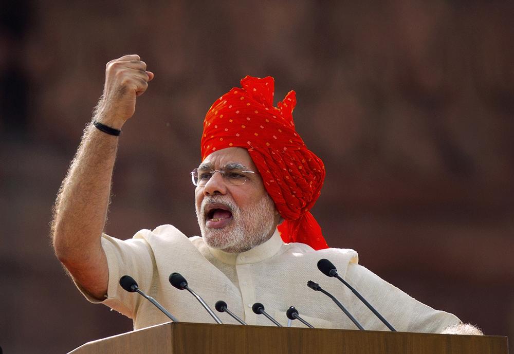स्वतंत्र्यदिनी लाल किल्ल्यावरून देशाला संबोधित करताना पंतप्रधान नरेंद्र मोदी
