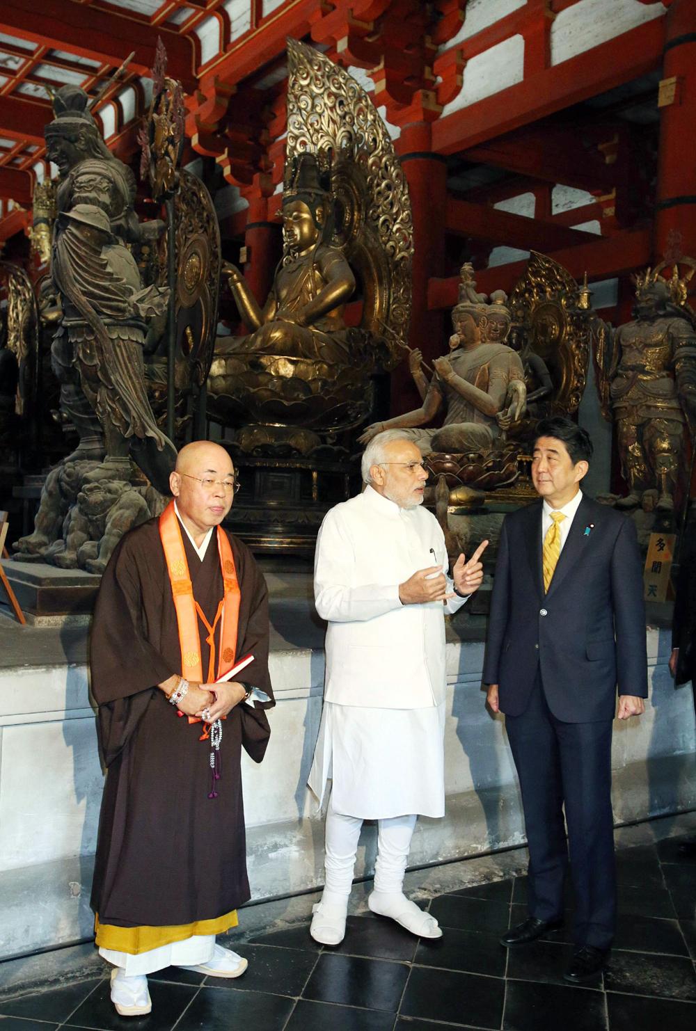 जपानच्या तोजी मंदिरात पंतप्रधान नरेंद्र मोदी
