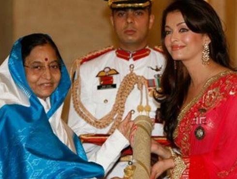 <h3>पुरस्कार</h3><br/>'हम दिल दे चुके सनम' आणि 'देवदास' चित्रपटांसाठी ऐशला 'फिल्मफेअर बेस्ट अक्ट्रेस पुरस्कार' मिळाला होता. तसेच अकरा वेळा तिला 'फिल्मफेअर बेस्ट अभिनेत्रीचा पुरस्कार'चं नामांकनही मिळाली होती. इंटरनॅशनल पुरस्कार, फिल्म अकॅडमी पुरस्कार, स्टार स्क्रिन पुरस्कार,झी सिने पुरस्कार, इत्यादी पुरस्कार तिनं आपल्या कारर्किदीत मिळवले आहेत. २००९ मध्ये ऐश्वर्याला पद्मश्री पुस्कारानेही गौवरवण्यात आलं होतं.
