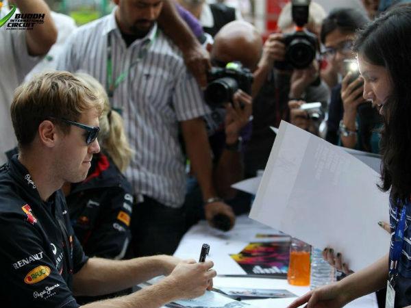 <h3>पुन्हा एकदा इतिहास रचण्यास सबेस्टियन सज्ज</h3><br/>गेल्या वर्षी भारतात झालेल्या फॉर्म्युला वन रेसमध्ये रेड बुलचा रेसर सबेस्टियन व्हेटलनं इंडियन ग्राउंड प्रिक्सची रेस जिंकली होती. आतापर्यत व्हेटलच क्रमांक एकवर आहे. गेल्या वर्षीप्रमाणे यंदाही सबेस्टियन पुन्हा एकदा बाजी मारण्यास उत्सुक आहेत.