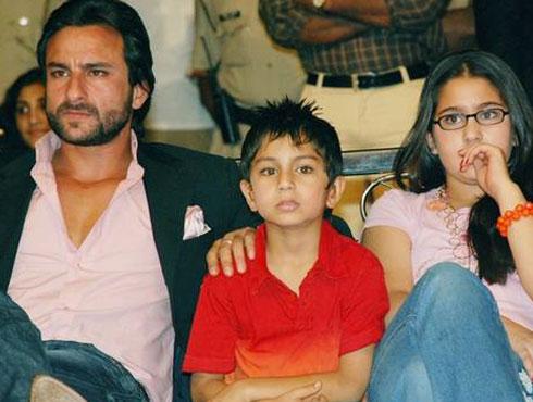 <h3>सैफ अली खान</h3><br/>जरी कामात कितीही व्यस्त असला तरी एक चांगला बाबा म्हणून त्याने नेहमीच आपल्या मुलांसमोर आदर्श ठेवलाय. छोटा नवाब म्हणून ओळख असलेला सैफ अली खान आपल्या सारा आणि इब्राहिम या लाडक्यांचा एक सपोर्टिव आणि प्रेमळ बाबा आहे.