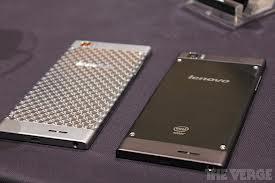 <h3>लेनोवोची बॉडी</h3><br/>लेनोवो के ९०० ची बॉडी स्टेनलेस स्टील आणि पॉलिकॉर्बोनेटचा वापर करून बनवलेली आहे. या फोनचा आकार ६.९ मिमी इतका आहे आणि वजनाने १६२ ग्रॅमचा आहे.<br>