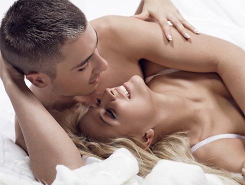 <h3>सेक्स नको</h3><br/>जरी तुम्हाला तुमच्या जोडीदारास पुन्हा भेटण्याची इच्छा जरी असली तरी याबद्दल पहिल्याच भेटीत जोडीदाराशी जास्त जवळीक ठेवू नका. जर तुमची भेट खरंच छान पार पडली असेल तर गालावर हलकेसे चुंबन देऊन त्याला ह्याची जाणीव करून द्या की आपली डेट फारच छान झाली. आणि दुसऱ्या डेटसाठी त्याच्याकडून फोन येण्याची वाट पाहा.
