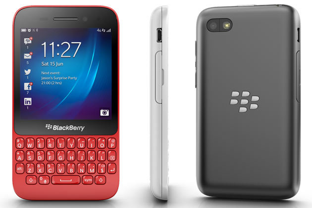 <h3>ब्लॅकबेरी क्यू ५</h3><br/>सध्या स्मार्टफोन्सनी बाजाराच नुसती गर्दी केलीय. याच स्मार्टफोनच्या गर्दीत आता आणखी एक नाव दाखल होतयं. <br><br>ब्लॅकबेरी मोबाईल कंपन्यांमधील नावाजलेली कंपनी. ब्लॅकबेरी कंपनीने नवीन `ब्लॅकबेरी क्यू ५` हा नवाकोरा स्मार्टफोन बाजारात लाँच केलाय. नवीन ऑपरेटिंग सिस्टीमबरोबरच `क्यू १०` सारखेच क्वार्टी की-पॅडही आहे. परंतु क्यू१०च्या तुलनेत याची किंमत फारच कमी म्हणजेच २४,९९० इतकी आहे. <br><br>१७ जुलैला हा फोन बाजारात उपलब्ध होतोय  पण काही मोबाईल स्टोअरमध्ये आणि २० जुलैला हा सगळ्या मोबाईल स्टोअरमध्ये उपलब्ध होईल.