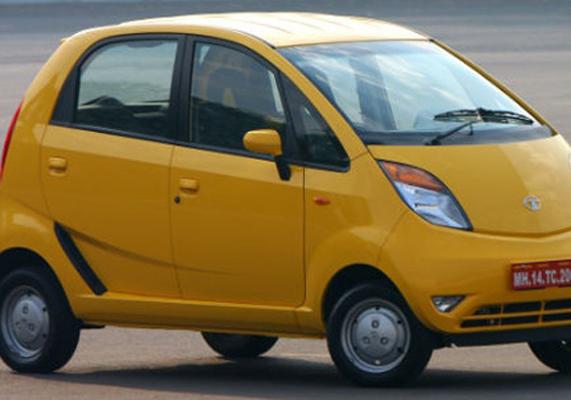 <h3>नॅनो आता नवीन रूपात</h3><br/><br>सर्वात स्वस्त कार म्हणून ओळख मिळविलेल्या टाटाच्या नॅनोचा खप चांगला वाढत नसल्याने नॅनोसाठी आता नवीन युक्ती कंपनीने शोधली आहे. कंपनीने नॅनो २०१३ बरोबरच सीएनजी इंजिनासह नवी नॅनो या वर्षात सादर करण्याचा निर्णय घेतलाय. पेट्रोल आणि डिझेलचे वाढते दर लक्षात घेऊन सीएनजी इंजिनसह नॅनो सादर केली जात आहे. त्यामुळे शहरी भागात तरी नॅनोची विक्री वाढेल, अशी कंपनीला अपेक्षा आहे.