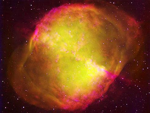 <h3>डम्ब्बेल नक्षत्र</h3><br/><br>या नक्षत्राला ऍपल कोर नक्षत्र असेदेखील म्हटले जाते. इतर नक्षत्रापेक्षा हे अतिशय तेजमय असते तर याच्या मध्यभागी एक फार मोठा प्रकाशमय तारा आहे. <br><br>हे दृष्य ८ ते ४.३० दरम्यान अतिशय छान दिसते.<br>