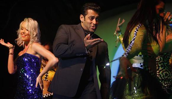 डान्स करताना सलमान खान