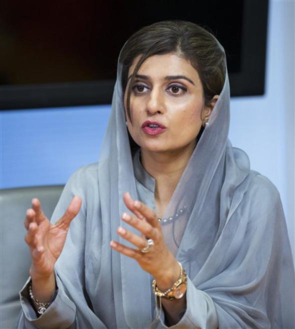 वडील गुलाम नूर रब्बानी खार  हे पाकिस्तानी राजकारणी, जमीनदार तर चुलते गुलाम मुस्तफा खार  पंजाब प्रांताचे माजी गव्हर्नर होते
