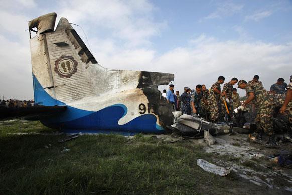 नेपाळमध्ये असे दुर्घटनाग्रस्त विमान झाले