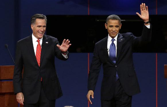 रिपब्लिकन अध्यक्ष मीट रॉम्नी आणि अध्यक्ष बराक ओबामा यांच्यातील जाहीर वाद अमेरिकेत रंगला. यावेळी अभिवादन करताना दोघे