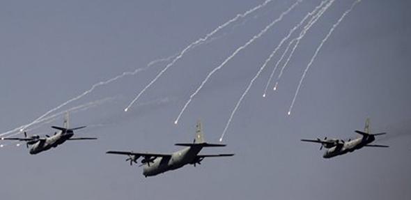वायू वेगाने गगनभेदी आवाज करत जेव्हा भारतीय हवाई दलाचं लढाऊ विमान आकाशत झेपावतं तेव्हा शस्त्रूची भांबेरी उडाल्याशिवाय राहात नाही.