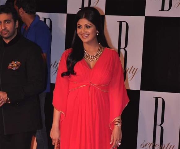 शिल्पा शेट्टी आणि तिचा पती राज कुंद्रा...
