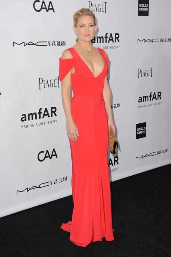 अभिनेत्री कॅट ह्युटन लॉस एंजेलिसच्या एका कार्यक्रमात