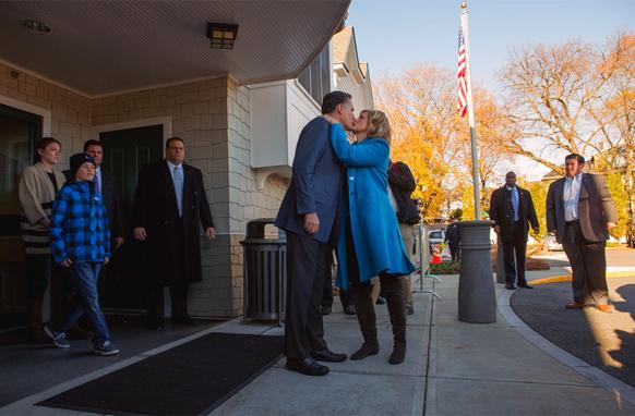 ओबामांचे प्रतिस्पर्धी मिंट रोम्नी यांना अशा शुभेच्छा दिल्या त्यांची पत्नीने