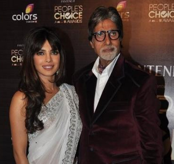 पीपल्स चॉईस अॅवॉर्ड २०१२ - अमिताभ बच्चन आणि प्रियांका चोप्रा
