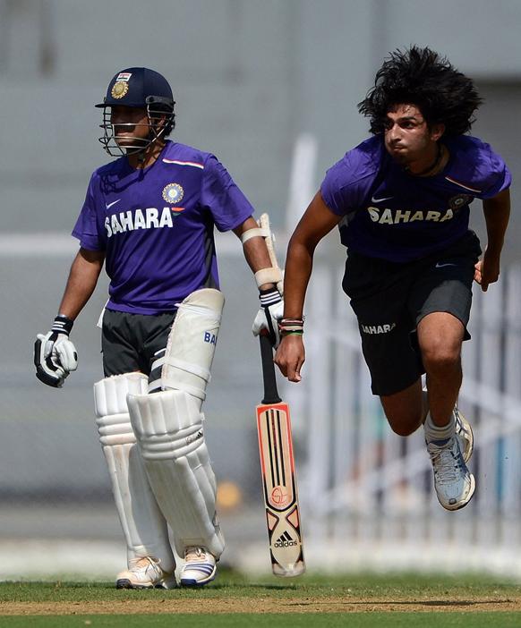 मुंबईतील इंग्लंड-भारत कसोटी सामन्या आधी...