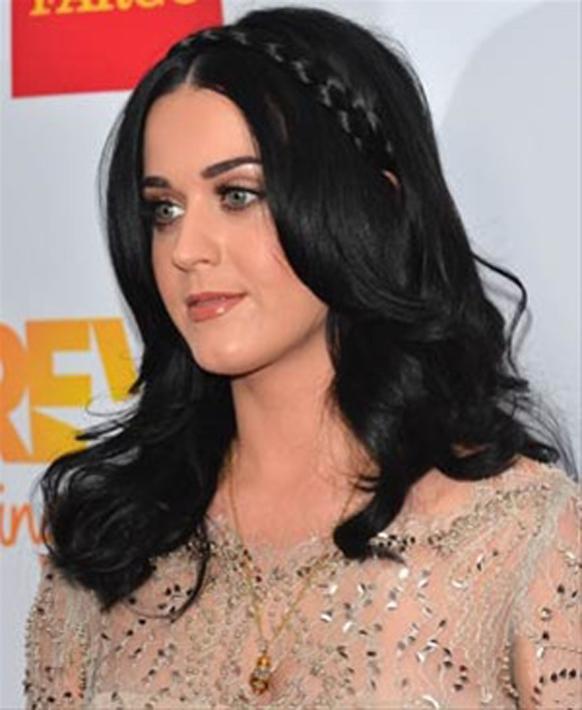 कॅलिफोर्नियात हॉलिवूड पॅलेडिअममध्ये आयोजित करण्यात आलेल्या 'ट्रीवोर लाईव्ह' कार्यक्रमात सहभागी झालेली गायिका केटी पेरी