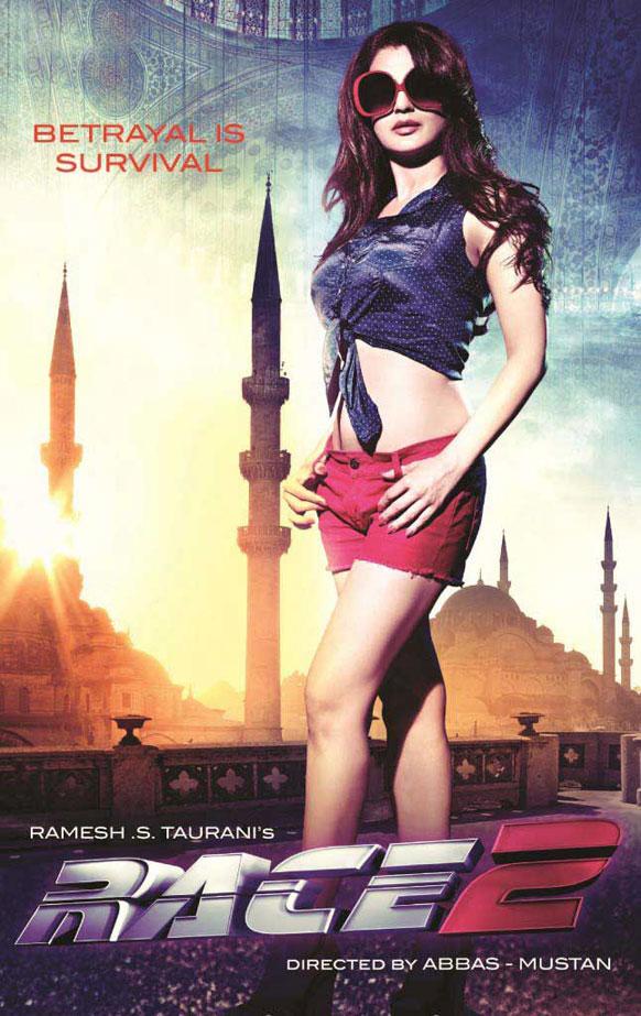 अब्बास मस्तानीचा रेस-२ या चित्रपटात अमिषा पटेलची नवी स्टाईल