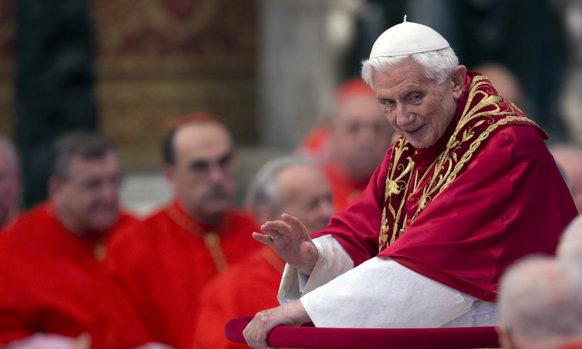 फोर्ब्जच्या यादीत - रोमचे पोप बेनेडिक्ट (XVI) ५ व्या क्रमांकावर आहेत