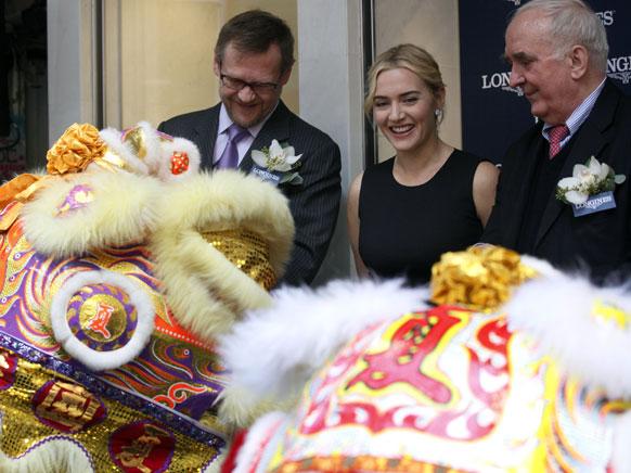 ब्रिटिश अभिनेत्री केट विन्स्लेट नुकतीच एका कार्यक्रमासाठी हाँगकाँगमध्ये दिसली...