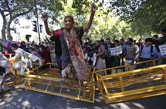 दिल्ली गँगरेप : दिल्लीमध्ये भाजप कार्यकर्त्यांची आंदोलनं आणि निदर्शनं