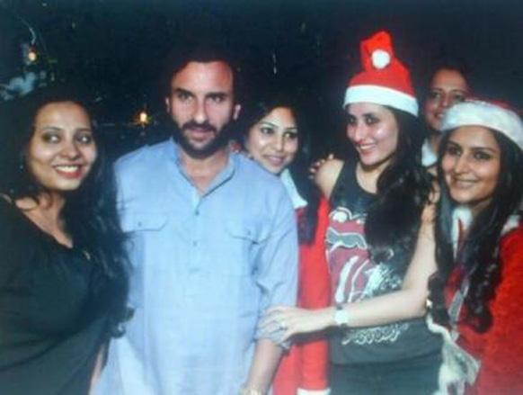 नवाब सैफ अली खान आणि बेगम करीना कपूर आपल्या मित्रांसोबत क्रिसमस पार्टीची मजा लुटताना
