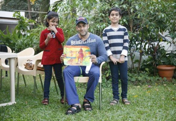 'दबंग स्टाइल' कॉन्टेस्टच्या विजेत्यांसोबत सलमान खान