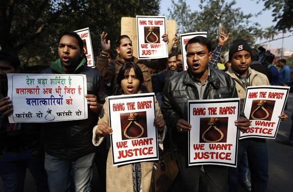 दिल्ली गँगरेप :  आंदोलनं आणि निदर्शनं