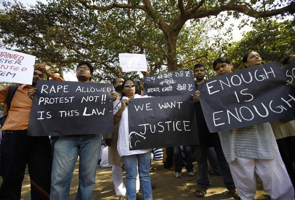 दिल्ली सामूहिक बलात्कारातील पीडित तरूणीवरील अन्याचा असा निषेध केला