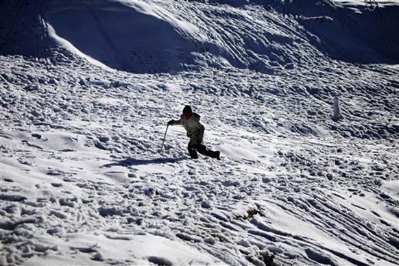 उत्तर भारतात अनेक ठिकाणी पसरलीय बर्फाची चादर...
