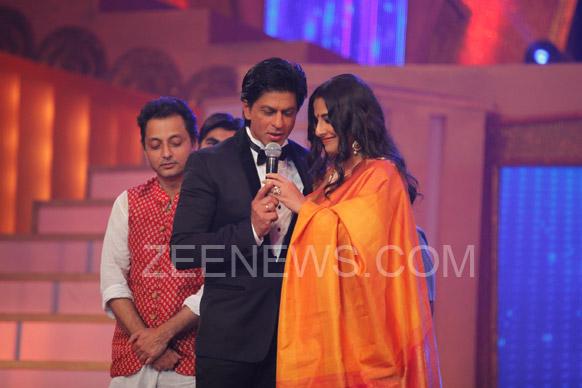 शाहरुख आणि विद्या एकत्र.. मागे 'कहानी'चा दिग्दर्शक सुजॉय घोष
