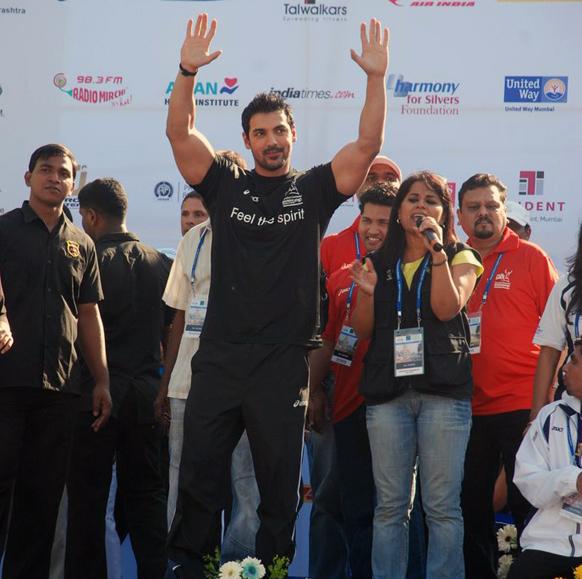 जॉन अब्राहमनही मुंबई मॅरेथॉनमध्ये सहभागी