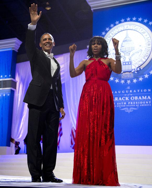 वॉशिंग्टन येथे अमेरिकेचे अध्यक्ष बराक ओबामा आणि त्यांची पत्नी मिशेल.