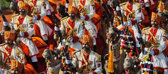 प्रजासत्ताक दिनानिमित्त राजपथावर भारतीय शौर्य आणि संस्कृतीचं दर्शन घडवण्यात आलं.