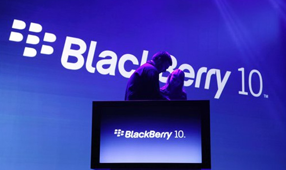 अन्...Blackberry 10 चे अनावरण झाले...