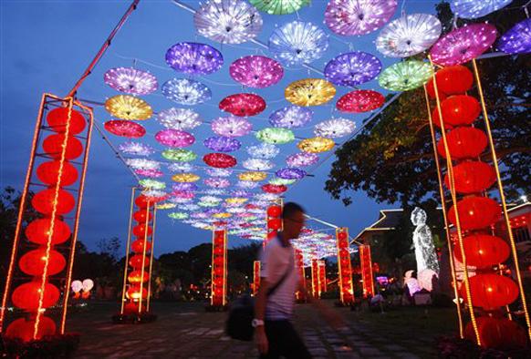 चिनी नववर्ष हे जगभरात चिनी लोकसंख्या अधिक असणाऱ्या देशा-प्रदेशांमध्ये साजरा केला जातो.
