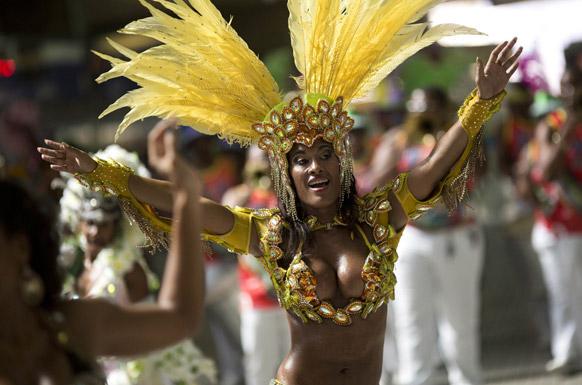 ब्राझिल कार्निव्हलमध्ये सादर होणार 'सांबा' परफॉर्मन्स...