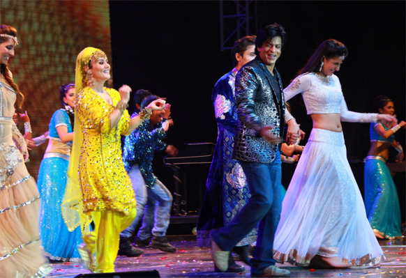 मस्कदला शानदार परफॉर्मन्स देताना शाहरुख खान, कतरिना कैफ, प्रिती झिंटा