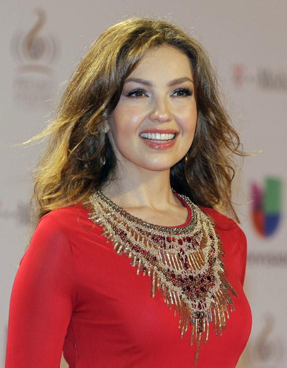 मयामीतील म्युझिक पुरस्कार सोहळ्यात मॅक्सिकन गायिका थालिया
