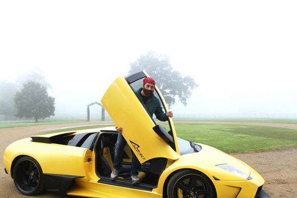 सलमान खान म्हणतो, आत्ताच 'यमला...' चा प्रोमो पाहिला... जस्ट आऊटस्टँडिंग... देओल्ससाठी मी खूप खुश आहे. धरमजी, सनी आणि बॉबी फनटॅस्टिक...
