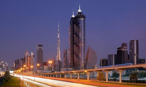 दुबईत वास्तव्यास असलेले मराठी वास्तुविशारद अशोक कोरगावकर यांनी केलं हॉटेलचं आरेखन आणि उभारणी