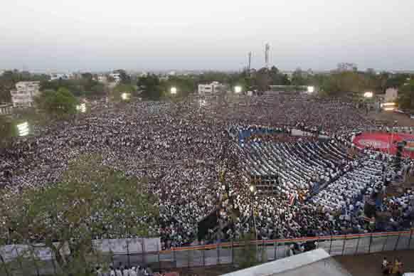 राज ठाकरेंच्या सभेला जमलेली गर्दी
