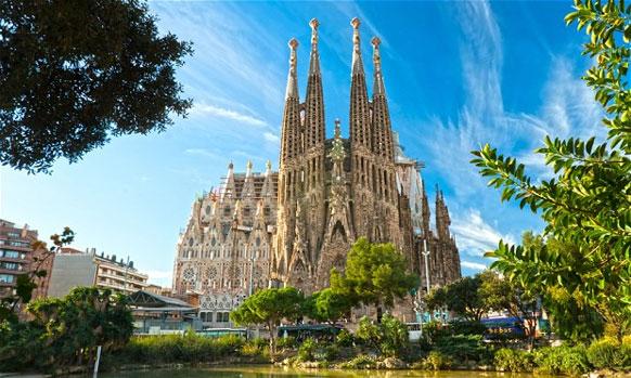 बार्सिलोना - दररोज १५.९८ दशलक्ष आंतरराष्ट्रीय प्रवासी भेट देतात
