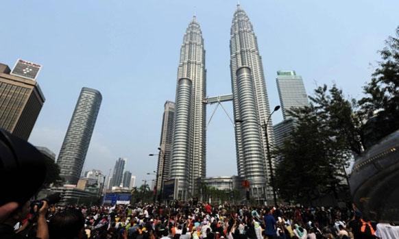 कौला लूम्पर - दररोज ९.२० दशलक्ष आंतरराष्ट्रीय प्रवासी भेट देतात
