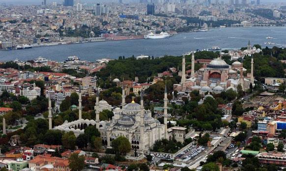इस्तानबूल - दररोज १०.३७ दशलक्ष आंतरराष्ट्रीय प्रवासी भेट देतात
