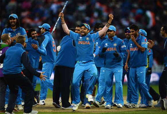 टीम इंडयाचे शिलेदार विजयानंतर जल्लोष करताना
