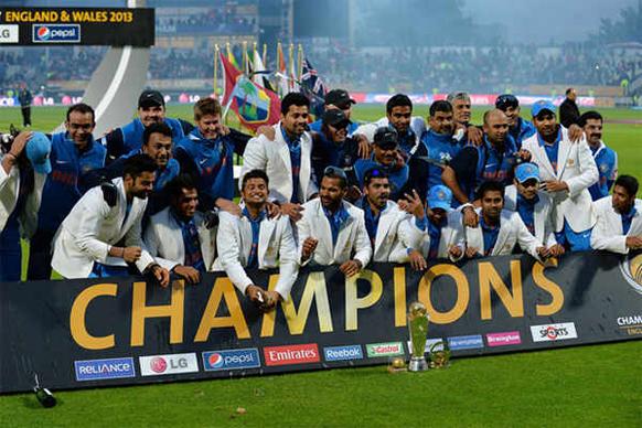 ट्राय सिरीजचे चॅम्पियन्स टीम इंडियाचे सदस्य