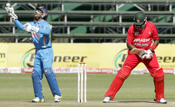 तिसऱ्या क्रिकेट सामन्यात एक अप्रतिम झेल