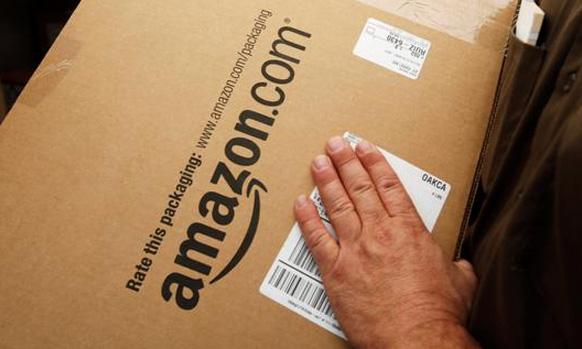 अॅमेझोन डॉट कॉम हा जगातील ऑनलाइन किरकोळ विक्रेता आहे. फॉच्र्युन नुसार, तो जगातील ३ री सर्वात लोकप्रिय कंपनी आहे.
