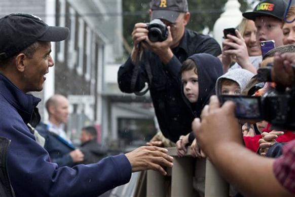 अन् बराक ओबामांचे दर्शन झाले, असा तर चिमुकला म्हणत नसेल!